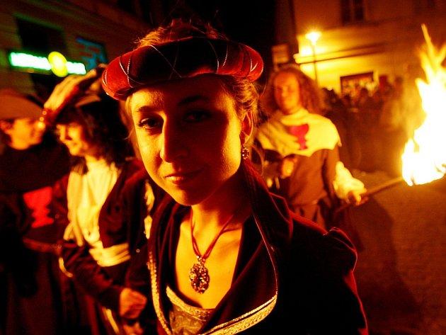 Táborské slavnosti slibují koncerty, divadla, ohňostroj, žebráckou uličku, historické průvody irytířský turnaj na koních.