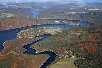 Vodní nádrž Slapy - letecký snímek.