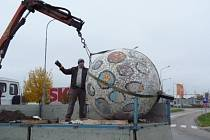 Mozaika, která vznikala poslední srpnový víkend v rámci festivalu Umění ve městě.
