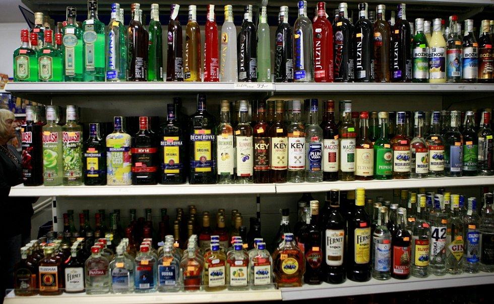 Česká obchodní inspekce ČOI kontrolovala13. září  prodej tvrdého alkoholu v Českém Krumlově.