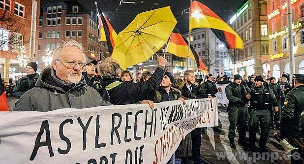 Protestují pro islamizaci.