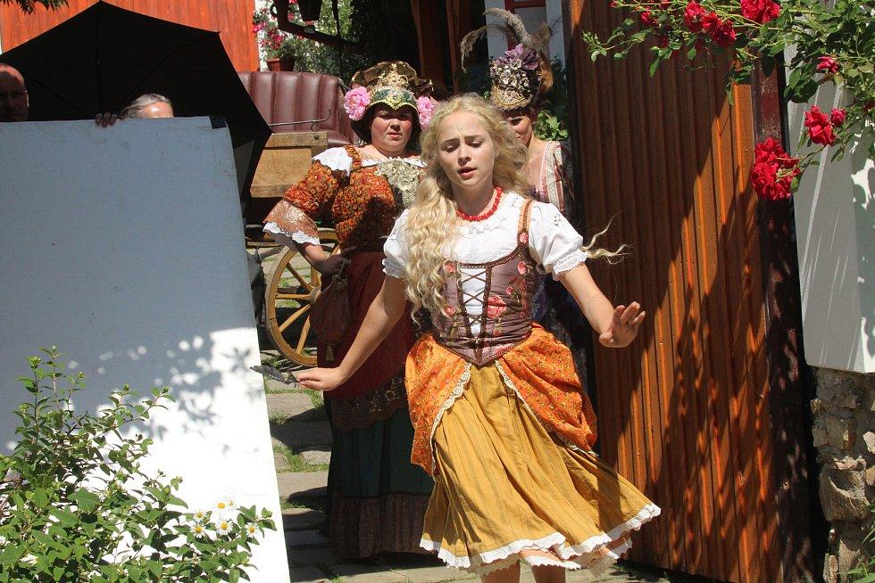 Režisér Troška točil pohádku Zakleté pírko i na jihu Čech.