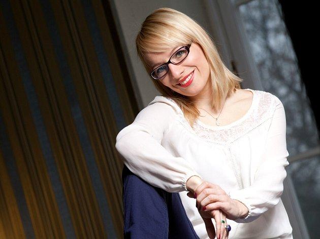 Teresa Branna, herečka, která působí již 11 sezon v Jihočeském divadle a v poslední době je známá mj. ze seriálu Ordinace v růžové zahradě 2.