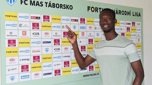 Abdallah Sima podepsal víceletý kontrakt v Táborsku.