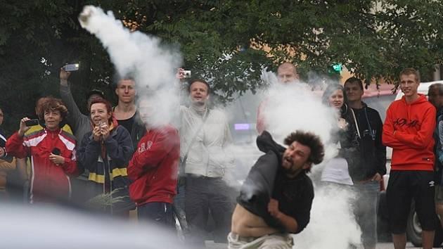 Letní protesty na Máji.