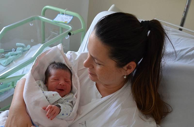 Matyáš Míka z Písku. Syn Moniky Čápové a Ondřeje Míky se narodil 10. 9. 2021 v 7.30 h. Jeho porodní váha byla 3,55 kg. Doma se na brášku těšil 5letý Ondřej.
