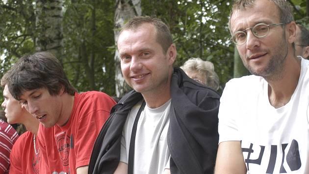 Zleva: Filip Habr, trenér Jan Svoboda a jeho asistent Stanislav Pochop