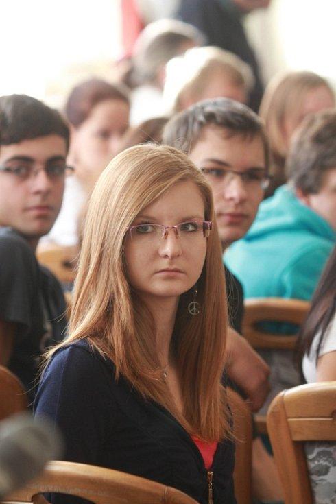 Studenti na gymnáziu v Třeboni.