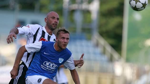 Fotbalová II. liga ve středu vyvrcholí přímým soubojem o postup do I. ligy mezi Táborskem a Dynamem Č. Budějovice.
