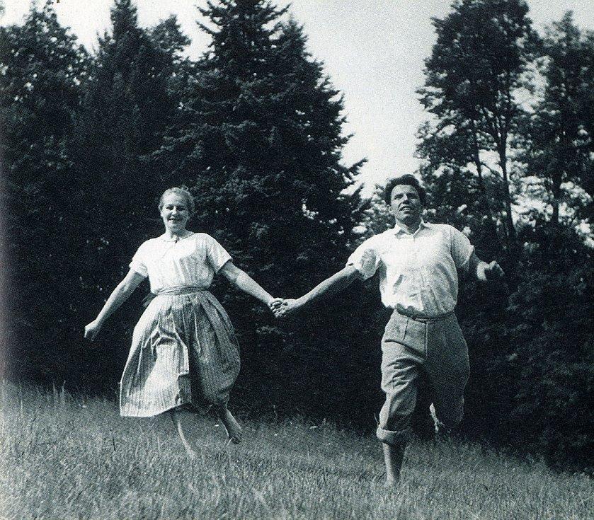 Hana Bauerová v Létě s Miroslavem Stachem, 1953.