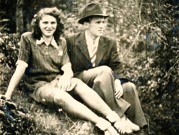 Josef Hasil se snoubenkou Marií Vávrovou.