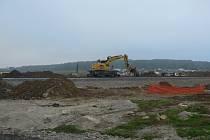 Zavřeno. Z Českých Budějovic (Lidická třída) na Včelnou od 28. září do 5. října 2021 neprojedete. Průjezd uzavřela stavba Jižní tangenty s úpravou železniční tratě.