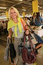 Vybrat kabelku si na Kabelkový veletrh Deníku přišla také Zdeňka Sahulová