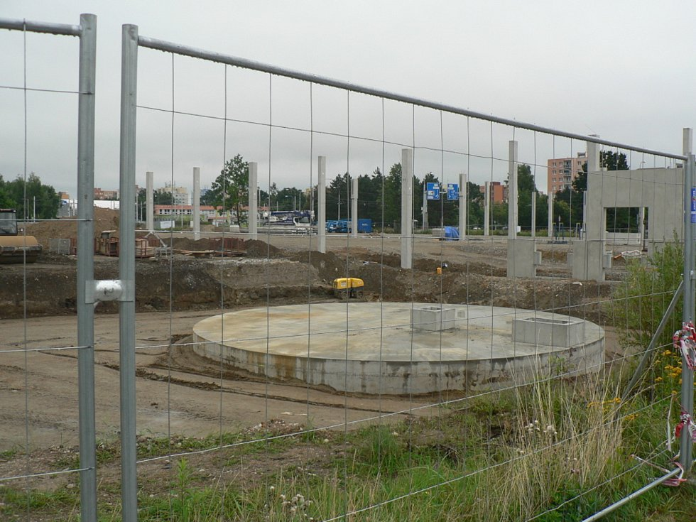 Na Českobudějovicku se staví nové obchody.  V jihočeské metropoli například vzniká ve čtvrti Čtyři Dvory nové OC Kaufland.