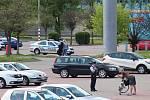 Policejní pátraní po muži s pistolí ve Stromovce.
