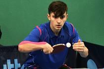 Strakonický odchovanec Jakub Slapnička okusil v barvách Chebu extraligu stolního tenisu.