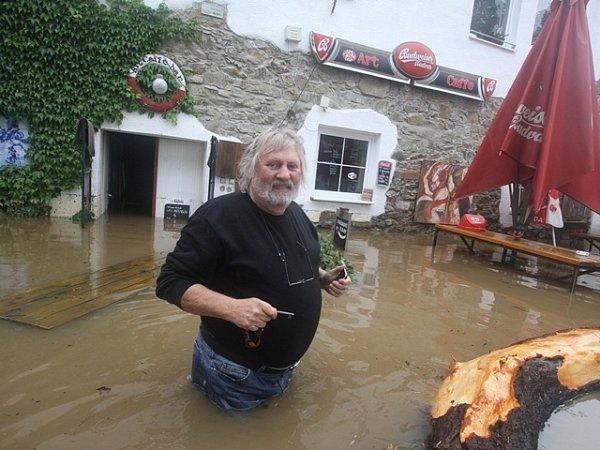 Červen. Povodně na Budějovicku.