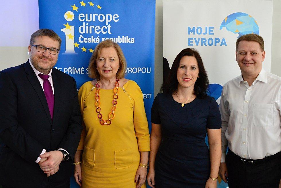 Madam Euro, jak se přezdívá bývalé viceguvernérce Národní banky Slovenska Eleně Kohútikové, přijela na Jihočeskou univerzitu.
