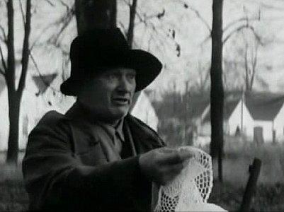 Místní obyvatel Vladimír Hajna si ve filmu zahrál kramáře sdečkami.