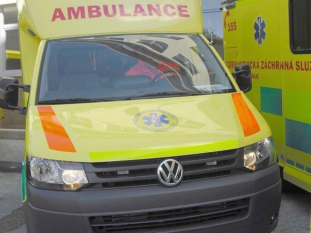 Při dopravní nehodě u Litvínovic se zranil řidič motorky a spolujezdec.