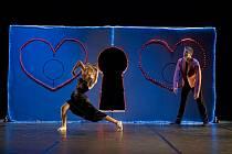 Jihočeské Thálie ovládli tanečník Zdeněk Mládek (na snímku v oceněném titulu So in Love) a herečka Daniela Bambasová. Oba získali po dvou soškách a oba je ocenili také diváci.