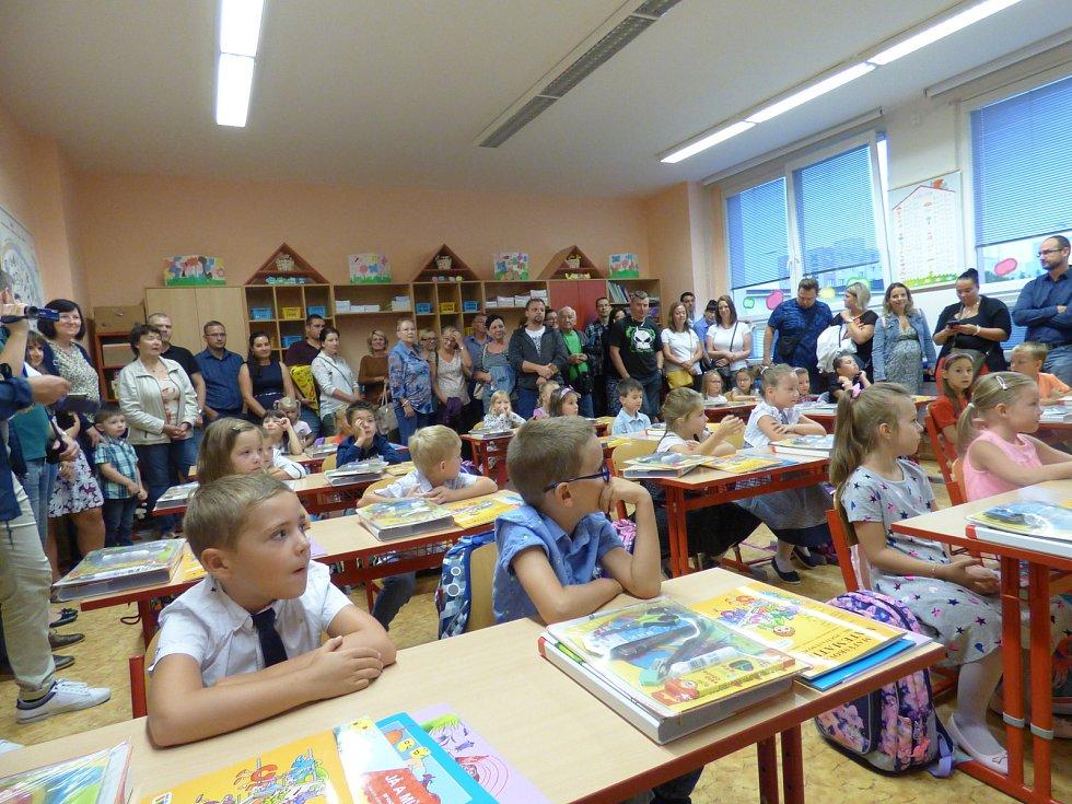 První školní den v ZŠ a ZUŠ Bezdrevská.