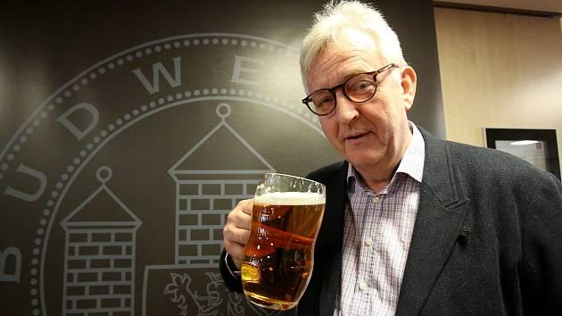 Budějovický Budvar přivedl do Českých Budějovic světové pivní  experty. Původem britský psychiatr Tim Webb je autorem Světového atlasu piva.