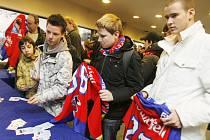 V pondělí se v českobudějovické Budvar aréně konal Den s HC Mountfield. Fanoušci a příznivci hokeje tak zde celé dopoledne měli k dispozici bohatý program.