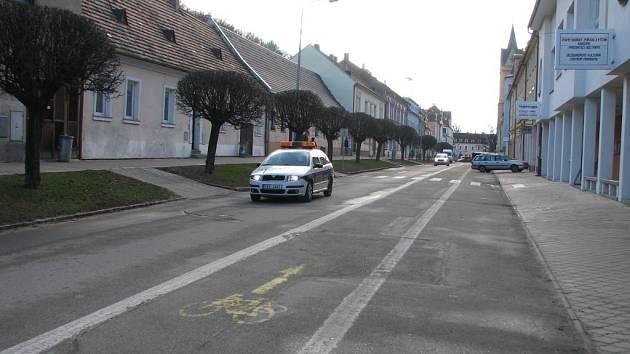 Centrum  Hluboké nad Vltavou – v pátek kvůli mimořádné akci bylo bez aut.