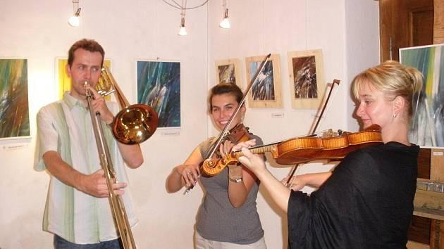 Jihočeští hudebníci se představí o víkendu při zakončení mezinárodního malířského workshopu.
