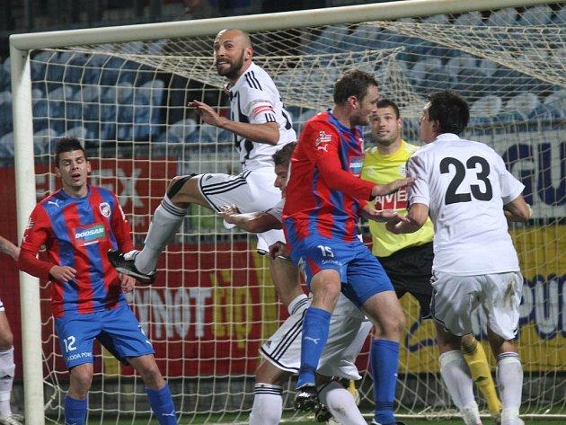Minulý týden byla šlágrem na jihu Čech liga Dynama s Plzni, tentokráte bude pozornost upřena ne třetí ligu.