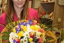 Olomoucká květinářka Aneta Gregorová nabídne zákazníkům k Mezinárodnímu dni žen barevné a svěží kytice doplněné tulipány, narcisy, hyacinty nebo fréziemi.
