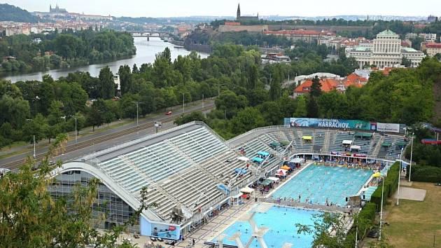 AREÁL v pražském Podolí hostil nejlepší plavce na domácí vrcholné akci.