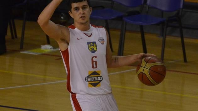 POSLEDNÍ ZÁPAS. Ve středu na palubovce Ostravy Mitch Rolls odehrál svůj poslední zápas v dresu Lions Jindřichův Hradec. Při porážce 60:80 si dokázal připsat šest bodů.