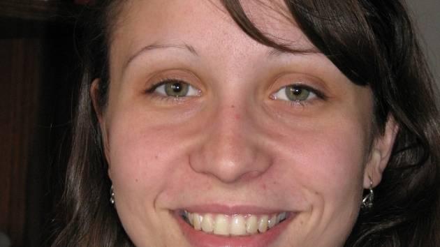 Veronika Kocihová vede vlastní kroužek prožitkové terapie pro postižené.