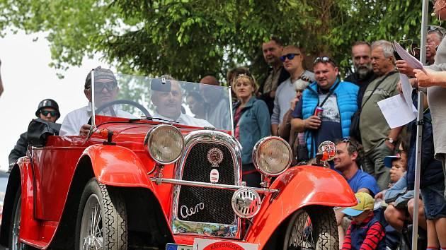 Sobotu si užili milovníci starých aut a motorek s Rallye Křivonoska.