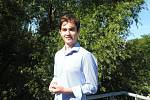 Nadaný student Michal Vondrák byl přijat na prestižní francouzskou univerzitu. Bydlení ve Francii však bude nákladné. Na ně mu přispěje nadační fond Jihočeské naděje.