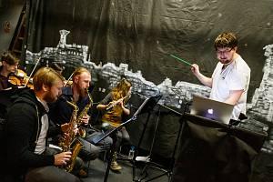 Vojtěch Adamčík (vlevo) se svým týmem plánuje otevřít v Českých Budějovicích scénu pro muzikály.