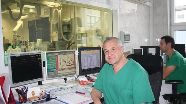 Ředitel komplexního kardiovaskulárního centra Ladislav Pešl považuje na největší úspěch dobře odvedenou práci.