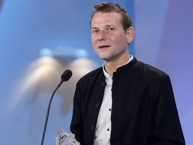 Podle románu Návrat Krále Šumavy od Davida Jana Žáka natočí režisér Radim Špaček miniseriál.