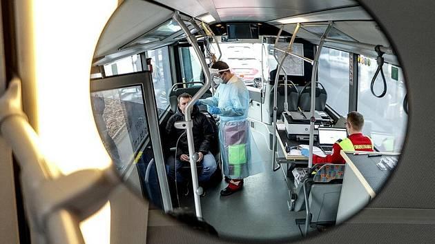 Testovací autobus v Linci jede dál.