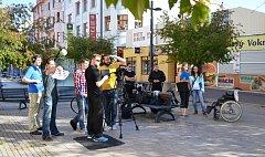Kolem třiceti lidí se podílelo na natáčení filmu k 7. ročníku festivalu amatérských a studentských filmů Černá věž. Ve městě natáčeli patnáct hodin.