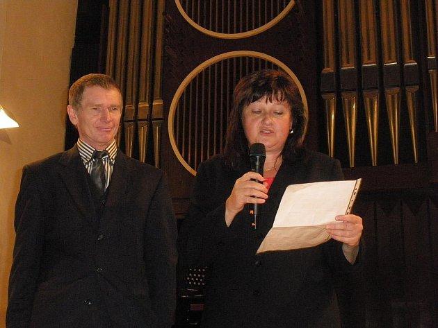 Josef Hes a Michaela Čermáková při oslavách dvacetin Charity.