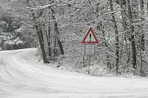 Sníh zasypal region. Snímek ze silnice na Zborov.