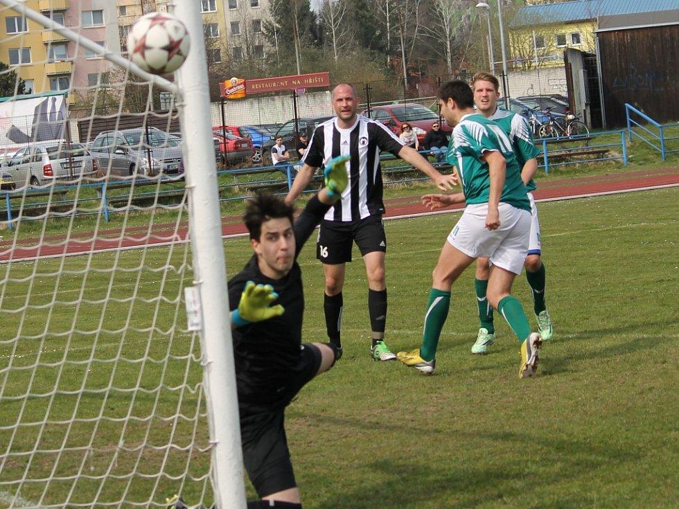Marek Hanus v akci, od bývalých spoluhráčů dostal dva góly .