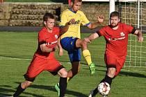 Fotbalisté FC Písek ve středu v Mol Cupu vyhráli v Dobříši 2:0 (na snímku v akci Filip Vacovský), o víkendu je čeká boj o body ve III. lize.