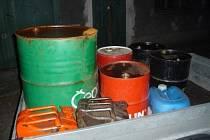 Přes 500 litrů nafty zajistili celníci při kontrole u Hluboké. Majitelka je podezřelá z daňových úniků.