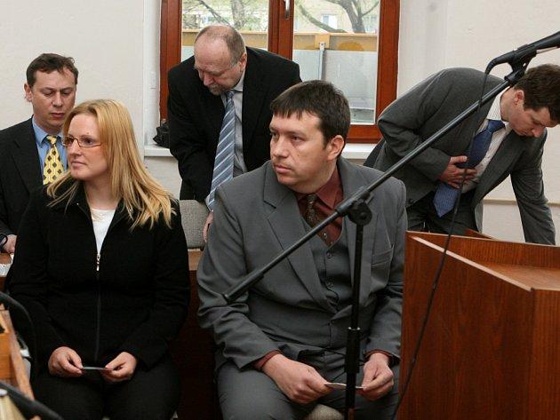 Manažeři obchodního řetězce Julius Meinl u soudu.
