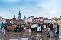 Stávka za klima se v Českých Budějovicích konala podruhé v pátek 3. května.