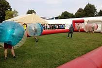 Znáte bubble soccer? Studenti v Českých Budějovicích už ano